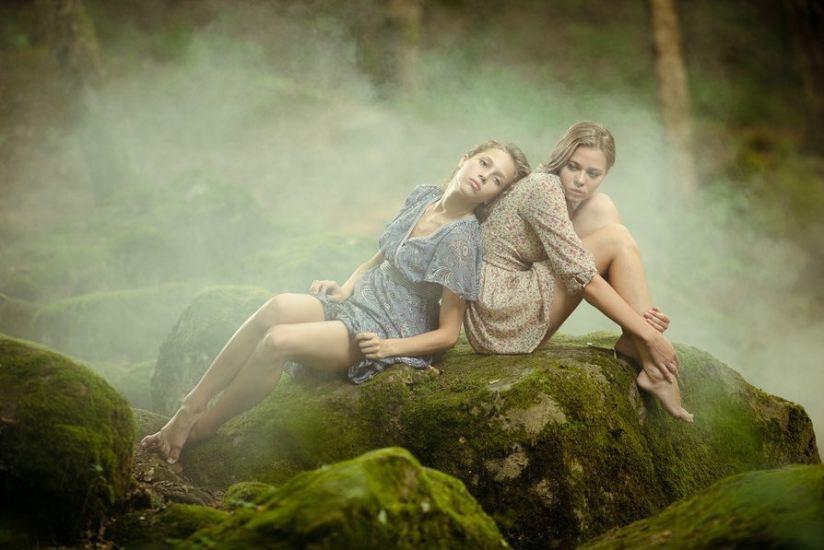 Mujeres hermosas by Vitaliy Timkiv - LS